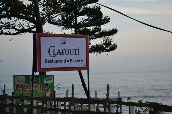 Clafouti: Sign outside