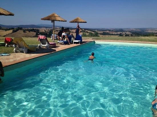 Agriturismo Le Murelle: piscina con vista