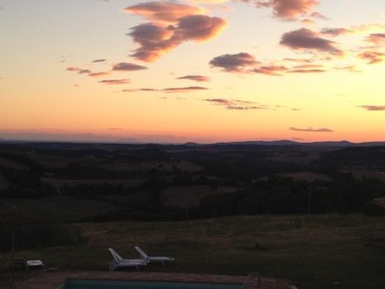 Agriturismo Le Murelle: tramonto dal terrazzo