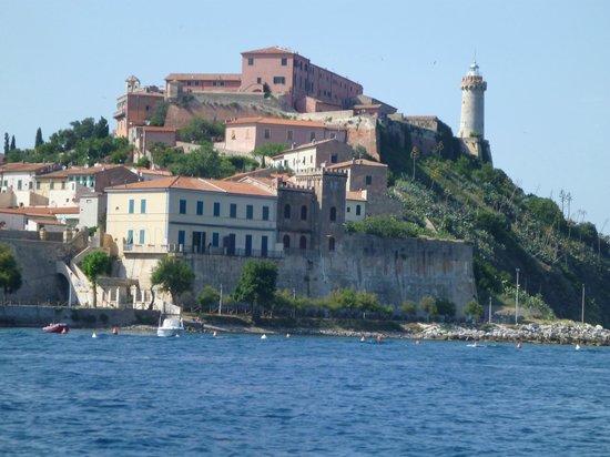 Diving in Elba: Portoferraio old buildings