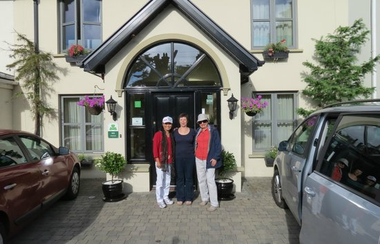 With Toni in front of Larkinley Lodge