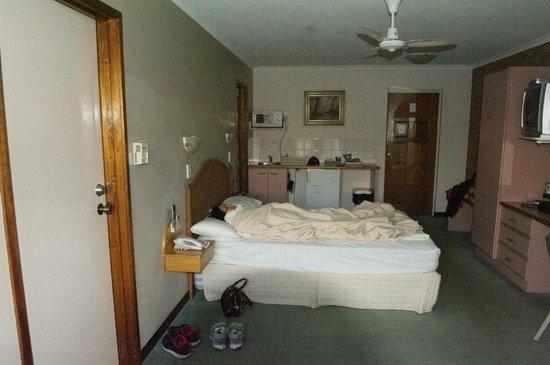 Sapphire Waters Motor Inn: Rooms