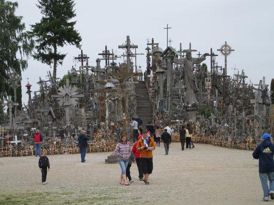 Colina de las Cruces: vista de la colina y las cruces