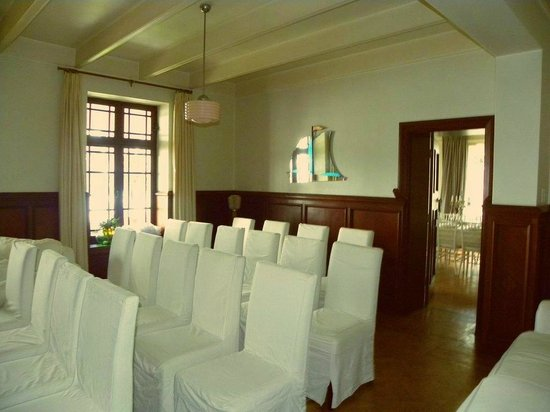 Villa St James: Lounge converted into ceremony room