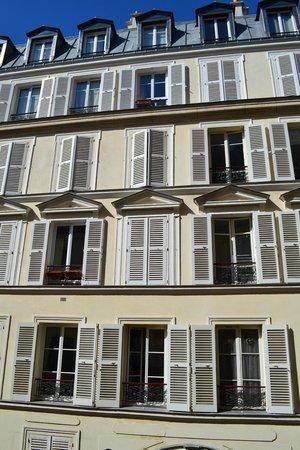 Hotel Nemours: Vue de la fenêtre de chambre
