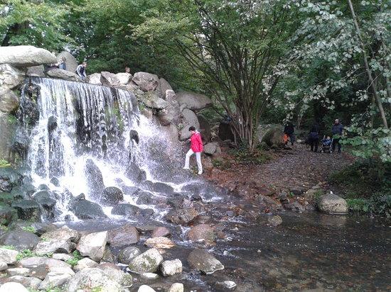 Park Sonsbeek: de waterval in Sonsbeek