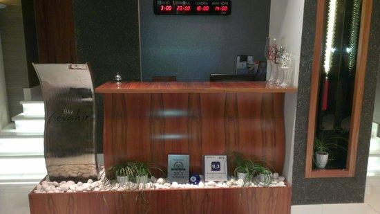 Biz Cevahir Hotel : Reception