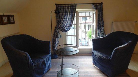 Chateau De Germigney : Appartement familial upstairs