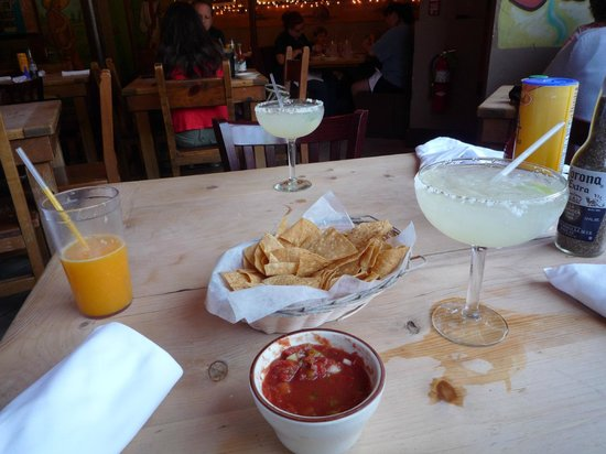 Border Cafe: Margarita and Tortilla Chips with Salsa Sauce