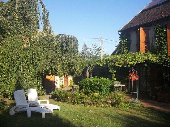Le Clos des Bergenias: espace extérieur privatif