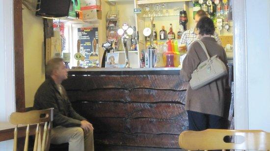 Catacol Bay Hotel : Bar