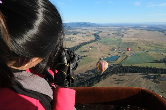 Balloon Aloft Hunter Valley Day Tours : Capturing the moment