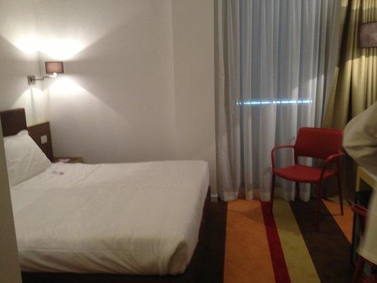 UNAWAY Hotel Fabro: Camera matrimoniale con letti singoli