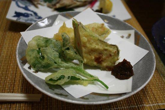 Kinasa No Yu : 揚げ物(鶏のミンチ、山菜)