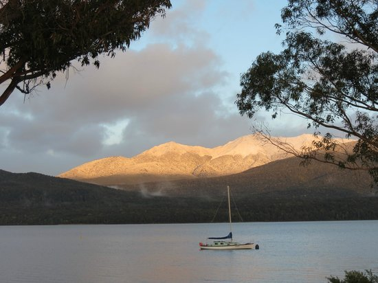 Radfords on the Lake : The mountains at sunrise