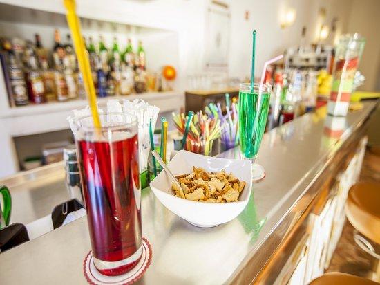 Hotel Conte: Bar