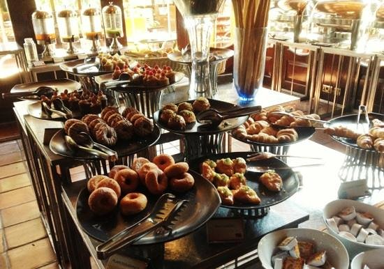 Sarova Panafric: wow - this was just the pastries - all included in breakfast