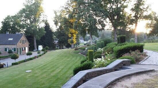 Hotel Du Moulin: jardin