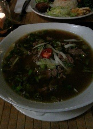 Nam Giao 31: Pho (large portion)