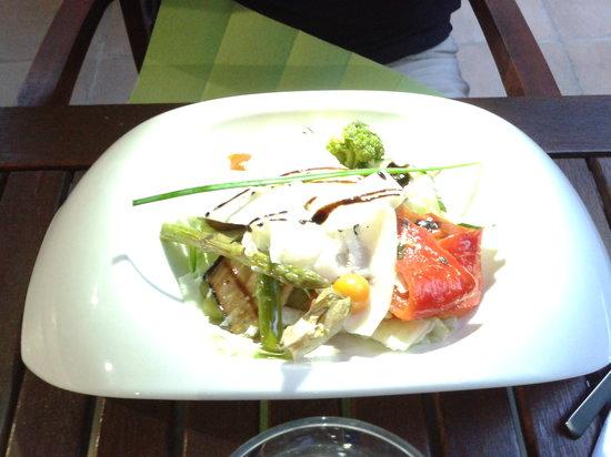 Salade picture of le jardin de tienou pierrelatte - Les jardins suspendus lattes ...