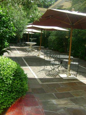 Ateneo Garden Palace Hotel: Garden