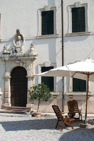 Museo del Vino: Facciata di Villa Canestrari