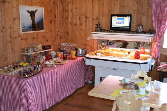 Gasthaus Alpina: Frühstücksbuffet