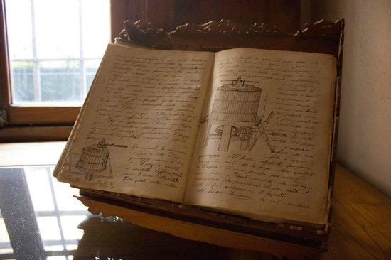 Museo del Vino: Libro di appunti enologici appartenente al primo capostipite della Famiglia, Bonuzzi Carlo 1888