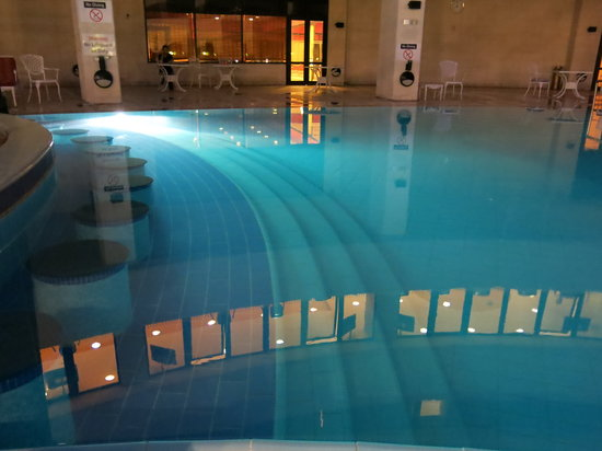 Le Grand Amman Managed By AccorHotels: A nice pool