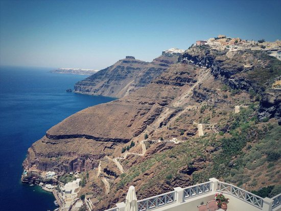 Archontiko Santorini: Вид из отеля