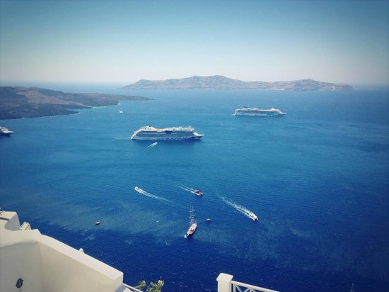 Archontiko Santorini: Вид из окна