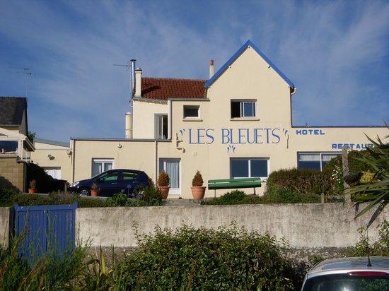 Les Bleuets : salle du restaurant vue de la plage