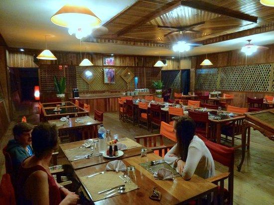 Rimba Orangutan Eco Lodge: The restaurant