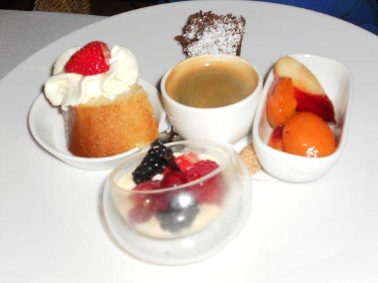 Sail Fish Cafe: café gourmand