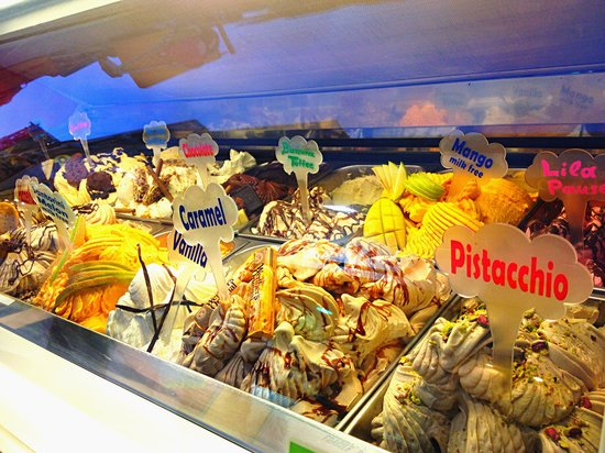 Il Gelato D'Oro: First impression does matter!