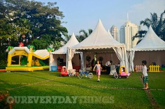 Shangri-La Hotel Jakarta : Weekend Activities for Kids - free for hotel guests