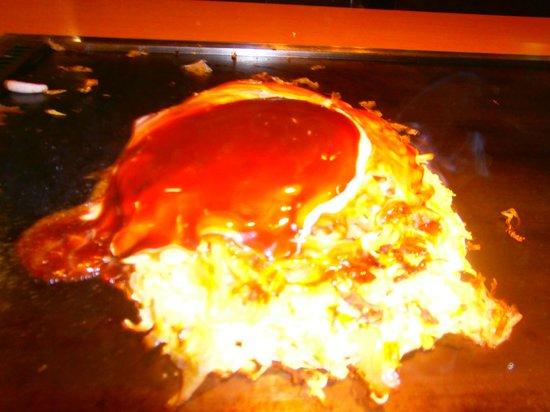 Tsuruhashifugetsu Hankyu32bangaiten: イカ玉モダン焼き