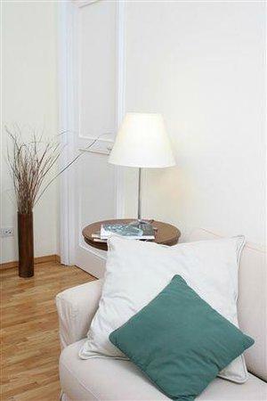 Corso Italia Suites: Living room