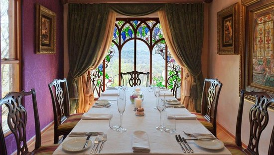 The Orient Private Hotel: Tiffany - A room with a view
