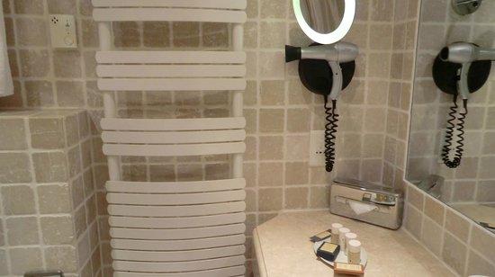 Hotel La Perouse: Badezimmer