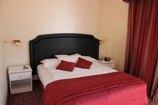 Addar Hotel: Camera da letto