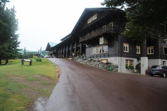 Glacier Park Lodge: Rain in the morning