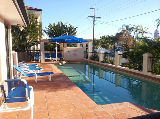 Chevron Palms Holiday Apartments: Heated Pool