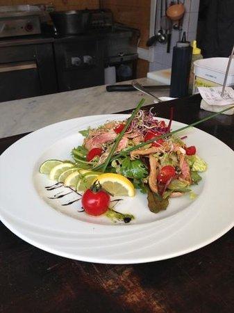 La Joliette : salade de rouget marine au soja
