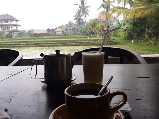 Ina Inn Bungalows: petit déjeuner