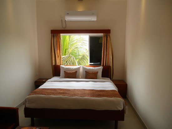 Prayag Aristro Club: Standard Room