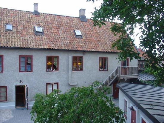 """Hotel St. Clemens: Udsigten fra vort vindue til """"Gården"""""""