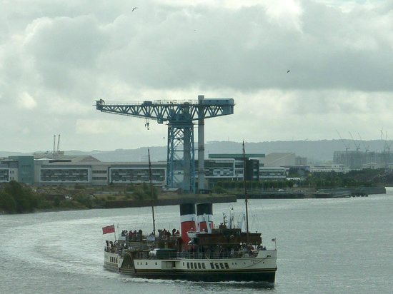 Golden Jubilee Conference Hotel: Paddle Steamer Waverley sailing by.