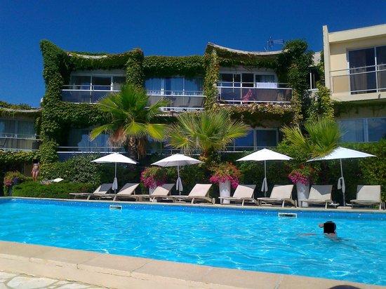 Hotel Azur : Vue de la piscine