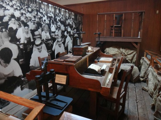 Ybor City State Museum: Cigar workers